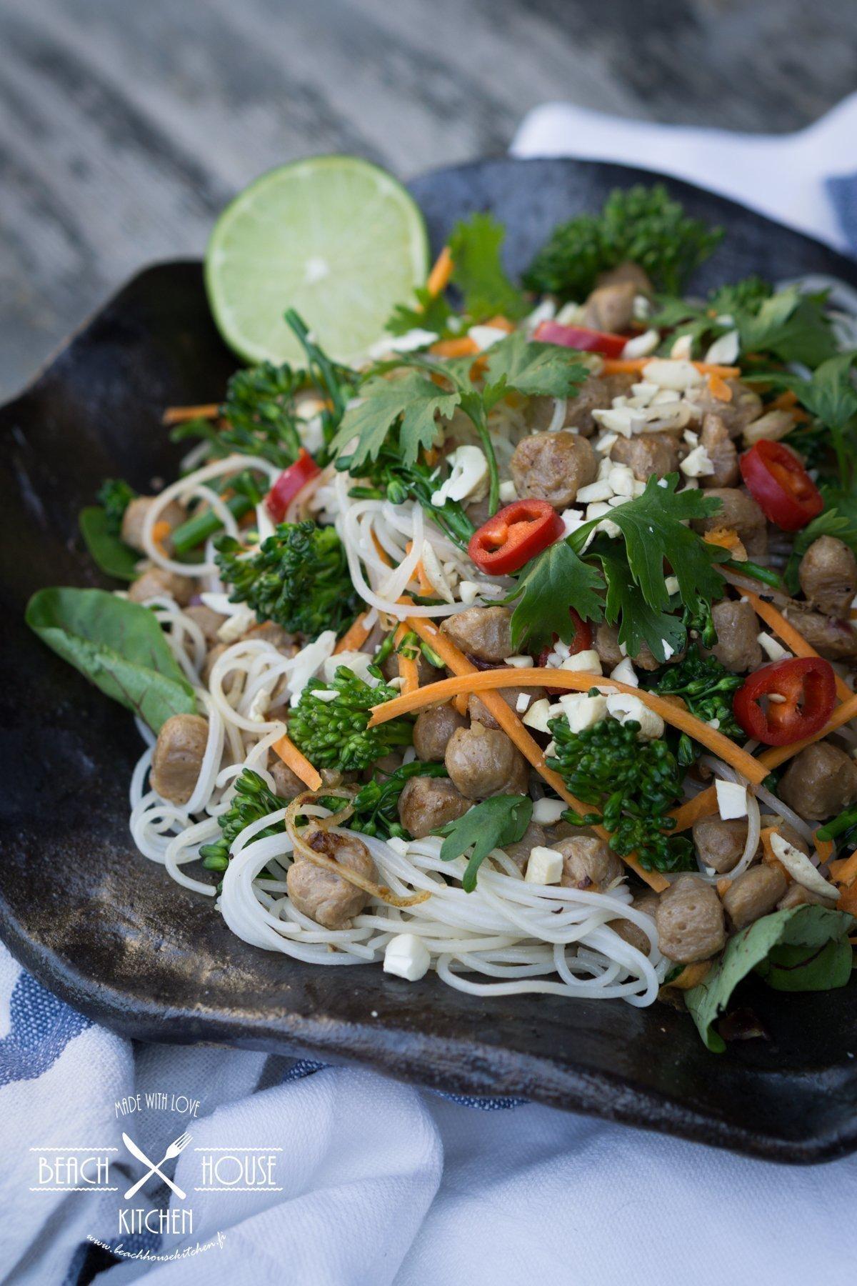 riisinuudelisalaatti