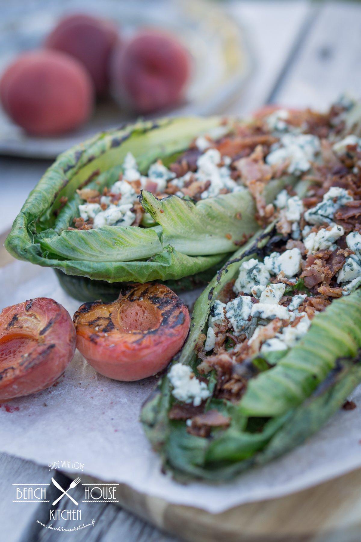 grillattu salaatti herkuilla